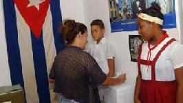20100412155032-elecciones-mujervota.jpg
