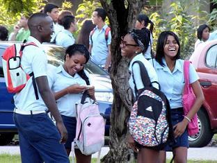 20141117132238-estudiantes-preuniversitarios-02-foto-abelrojas.jpg