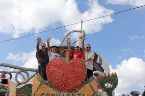 20141230135744-cinco-heroes-inauguran-escultura-jaimanitas.jpg